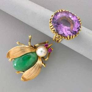 14k yellow gold bee brooch and amethyst ring bee brooch set with jade and cultured pearl body rubellite eyes and florentine finish wings ring with gallery constructed of straight and twisted wire