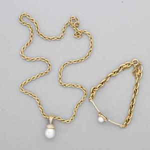 Cultured pearl and diamond necklace and bracelet 18k yg surmount set with diamonds approx 15 cts tw above teardrop shaped pearl approx 11 mm with detachable bail on 14k yg chain 18 18k