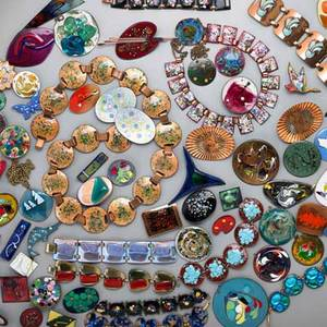 Diggers delight assorted copper jewelry over 100 pieces of enameled copper jewelry link bracelets necklaces rings earrings clips in fused glass etc mid 20th c several marked including k