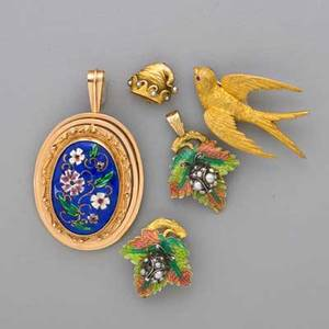 Group of naturalistic gold or enamel jewelry five pieces in yellow gold victorian pendant and brooch silver topped gold lady bug with split pearl set body ruby eyes and rose cut diamond antennae p