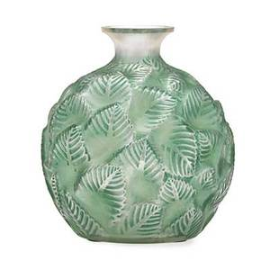 Lalique ormeaux vase clear and frosted glass with green patina france des 1926 m p 435 no 984 etched r lalique france no 984 6 12 x 5 12
