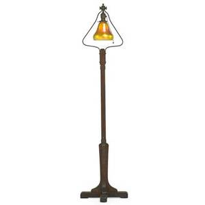 Steuben gustav stickley floor lamp with steuben aurene glass shade eastwood ny ca 1910 als ik kan stamp 57 x 14 sq shade 6 dia