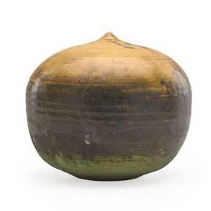 Toshiko takaezu 1922  2011 glazed stoneware moonpot with rattle clinton nj signed tt 5 34 x 6 12