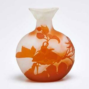 Galle cameo glass vase with floral decoration nancy france first quarter 20th c acid etched galle 5 34 x 4 12 dia