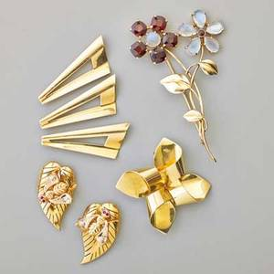 Retro gold brooches and clip three pauline trigere geometric 14k yg brooches moonstone and garnet 14k gold bouquet brooch 3 18 pair of bee on leaf fur clips in 18k rose gold with diamond and