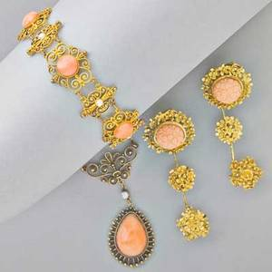 Coral and gold jewelry victorian bloomed 14k gold florentine style bracelet of cabochon coral and button pearls on granulated links 7 necklace en suite with teardrop coral fj cooper phil 18k