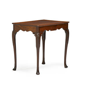 Irish george ii tea table mahogany tray top with scalloped skirt and cabriole leg on pad feet 18th c 28 12 x 30 14 x 20 12