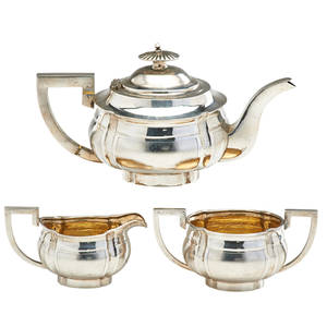 Chinese export silver tea service three teapot creamer and sugar early 20th c teapot 8 34 length 26 ot