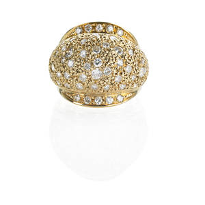 18k yellow gold diamond tapered bombe ring prong set rbc diamonds approx 15 cts tw interspersed among textured ground 20th c marked with chinese character 18k 60 dwt