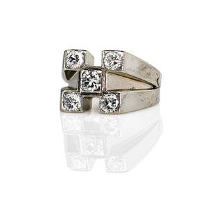 Art deco diamond 18k white gold ring five stone geometric form 140 cts tw ca 1945 unmarked size 7 73 dwt