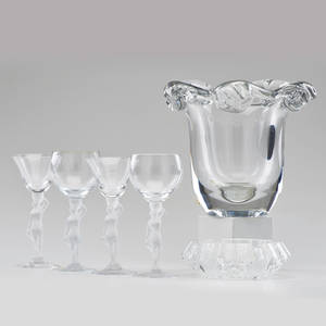 Daum etc crystal vase france 1950s together with two pair figural lalique style cordial glasses and etched ashtray daum marked daum france with cross of lorraine vase 7 12 x 9
