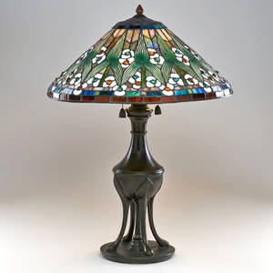 Quoizel reproduction arts and crafts table lamp usa late 20th c bronze slag glass two sockets shade marked quoizel collectibles to finial 27 x 21 12
