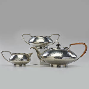 Unity pewter teapot with creamer and sugar england ca 1910 pewter wicker resin all stamped teapot 5 x 10 34