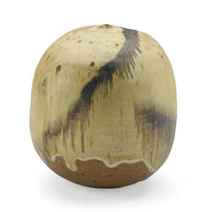 Toshiko takaezu 1922  2011 small glazed stoneware moonpot with rattle clinton nj signed tt a 5 x 4