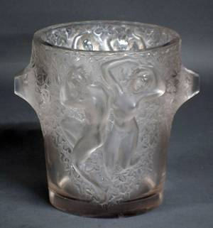 221 RENE LALIQUE MOLDED AND FROSTED ICE BUCKET
