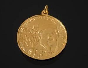 DOM DeLUISE 14K GOLD BACCHUS MEDALLION