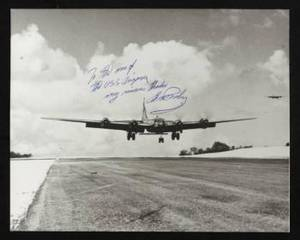 ELVIS PRESLEY SIGNED PHOTOGRAPH TO THE CREW OF THE USS ARIZONA