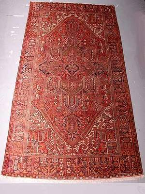 37 Hand Knotted Heriz Persian Rug