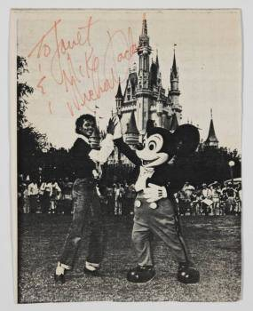 MICHAEL JACKSON SIGNED PHOTOGRAPH FROM DISNEYLAND