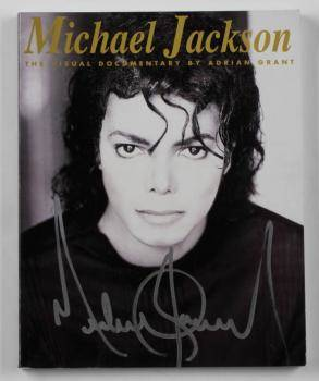 MICHAEL JACKSON SIGNED COPY OF MICHAEL JACKSON THE VISUAL DOCUMENTARY