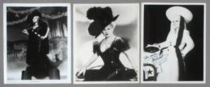 MAE WEST SIGNED PUBLICITY PHOTOGRAPH