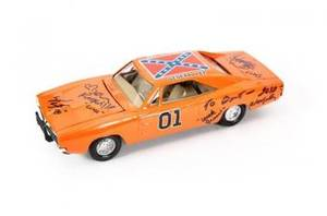 DUKES OF HAZZARD CAST INSCRIBED GENERAL LEE