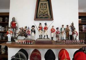 JONATHAN WINTERS COLLECTION OF TOY SOLDIERS