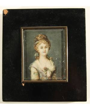 A PORTRAIT MINIATURE OF A WOMAN 18TH19TH CENTURY painted on ivory