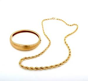 A 14 Karat Yellow Gold Graduated Rope Chain Necklace