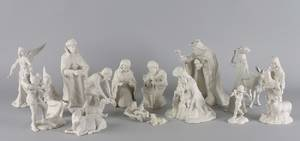 A Boehm Porcelain 16 Piece Nativity Set
