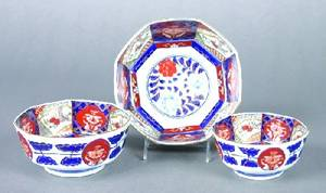 A Group of Three Japanese Octagonal Imari Porcelain Bowls
