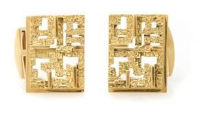 A Pair of 18 Karat Yellow Gold Cufflinks