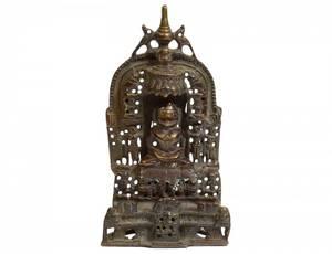 PATINATED BRONZE FIGURE OF A BUDDHA