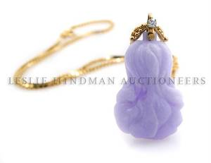 A 14 Karat Yellow Gold Lavender Jadeite and Diamond Necklace