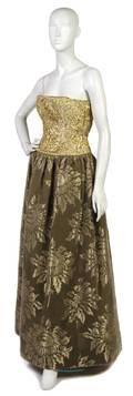 An Oscar de la Renta Green Velvet and Embroidered Evening Gown