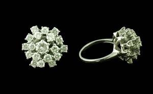 75 14KT White Gold Diamond Cluster Ring 19 Diamond