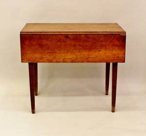 An Early 19th C American Mahogany Pembroke Table