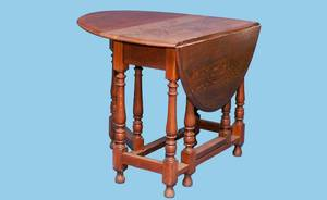 394 English 19th Century Gateleg Table