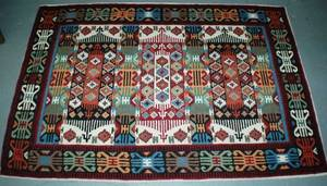 1071 Indian flat woven rug measures 511 x 4 1502