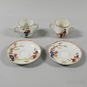 Pair of Chinese Export Porcelain Cups and Saucers