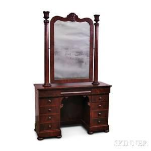 Late Federal Mahogany and Mahogany Veneer Dressing Table
