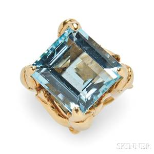 18kt Gold and Aquamarine Ring