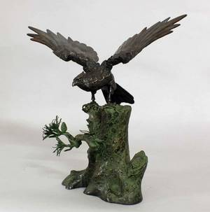 151 PATINATED BRONZE FIGURE OF AN EAGLEJapanese 20th