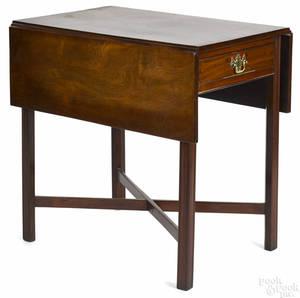 Pennsylvania Chippendale mahogany Pembroke table ca 1780