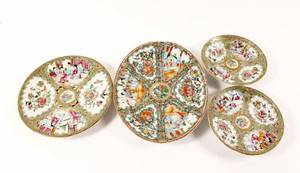 Group of 4 Chinese Rose Medallion Plates