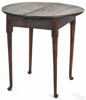 New England Queen Anne tiger maple tavern table ca 1760