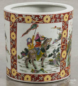 Chinese famille rose porcelain cache pot