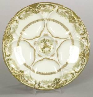 Fourteen Haviland Limoges Oyster Plates