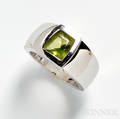 18kt White Gold and Peridot Ring Cartier