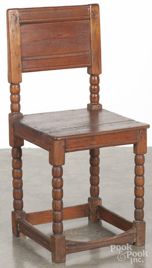 MidAtlantic William  Mary maple and pine wainscot chair